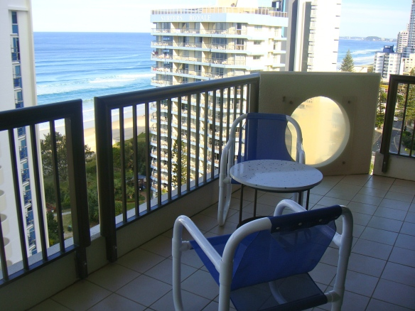 What could be more relaxing than sitting at the balcony looking out and see the beautiful beach below.